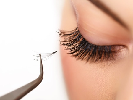 Silk eye lash extension application in Grand Rapids MI - GRLash.com